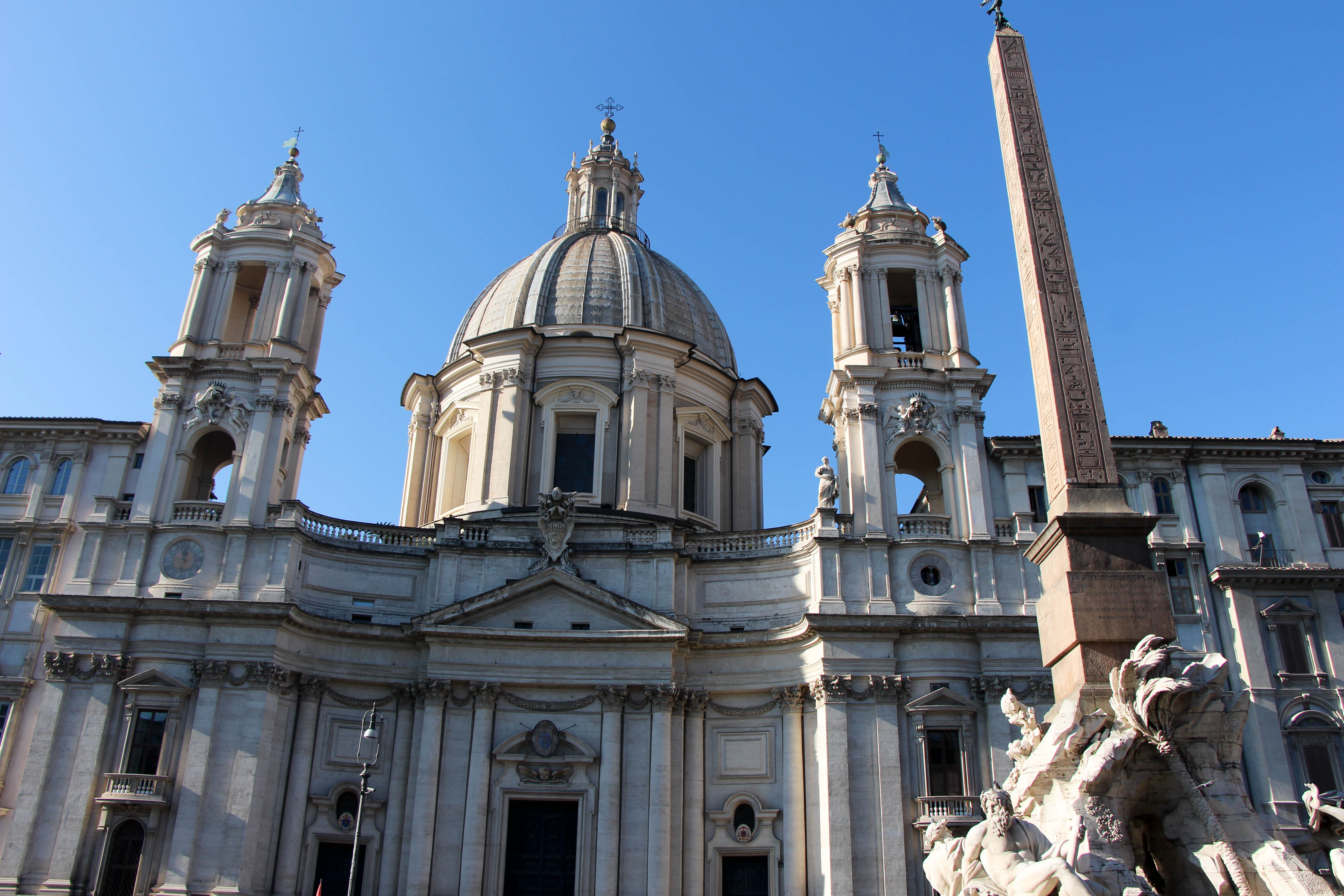 piazza-navona-eglise-rome